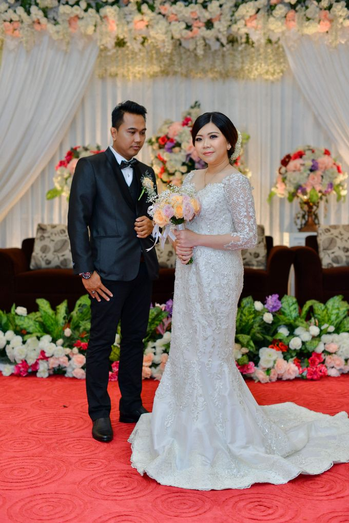 The Wedding Day Of Dhony & Marlena by Favor Brides - 016