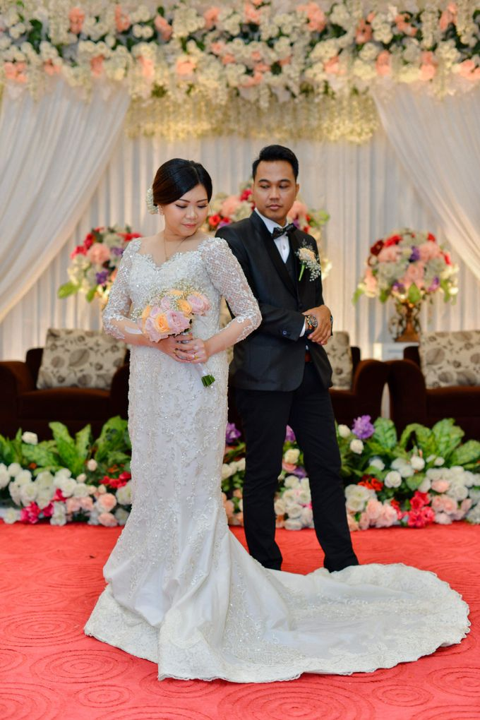 The Wedding Day Of Dhony & Marlena by Favor Brides - 012