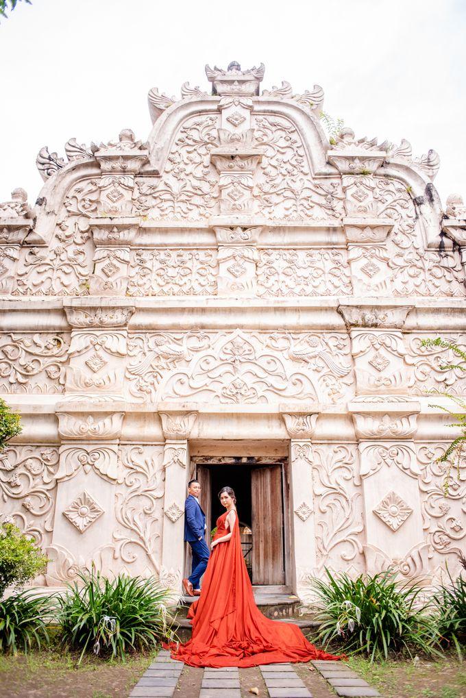 the Pre Wedding story of Febby & Vidi by Bondan Photoworks - 018