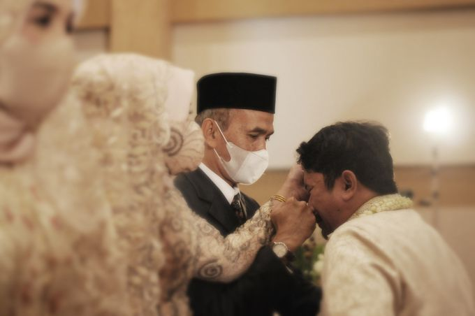 From The Traditional West Sumatra Wedding of Irsyad & Shella by Khayim Beshafa One Stop Wedding - 011