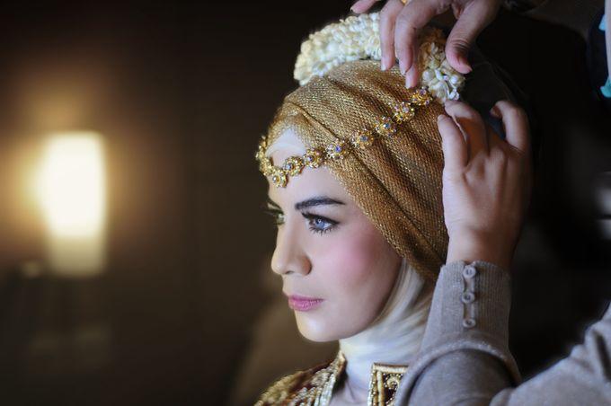 From The Traditional West Sumatra Wedding of Irsyad & Shella by Khayim Beshafa One Stop Wedding - 015