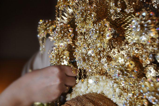 From The Traditional West Sumatra Wedding of Irsyad & Shella by Khayim Beshafa One Stop Wedding - 016