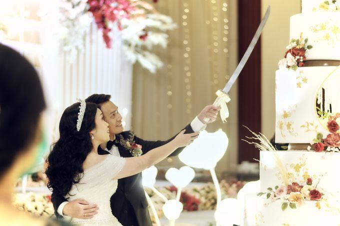 A Royal Wedding of dr. Erwin & dr. Feti by Khayim Beshafa One Stop Wedding - 015