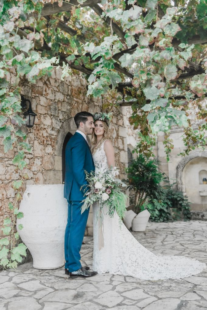 Boho Wedding at Manousakis Winery by George Chalkiadakis Pro Art Photography - 016