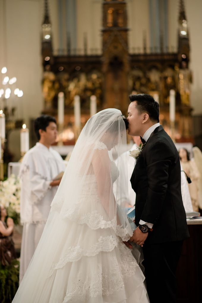 The Wedding of  Efeline & Fion by Bondan Photoworks - 019
