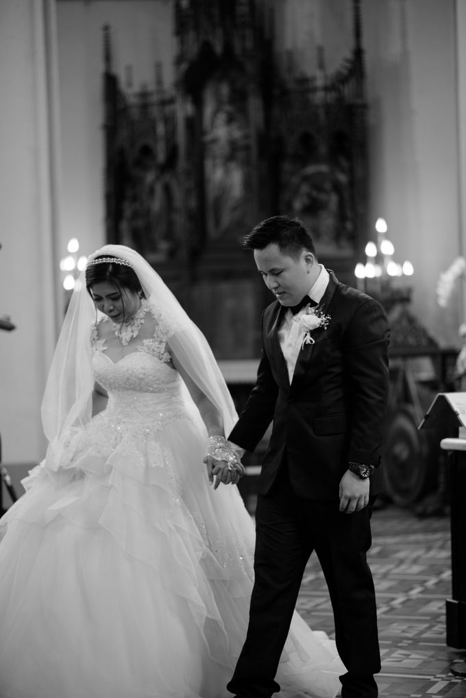 The Wedding of  Efeline & Fion by Bondan Photoworks - 020