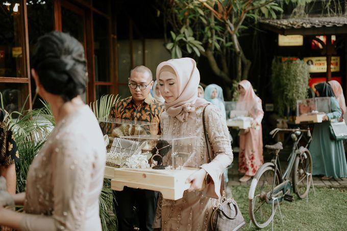 dhita & harsen's engagement by akar photography - 004