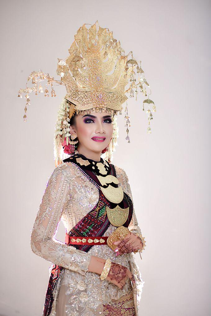 Make Up by Trisa Cintani Makeup & Hair Studio - 002