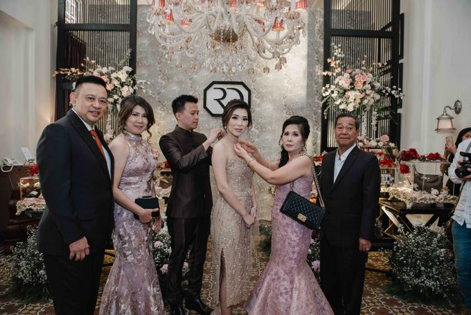The Engagement of Ryan & Dewi by LUNETTE VISUAL INDUSTRIE - 001
