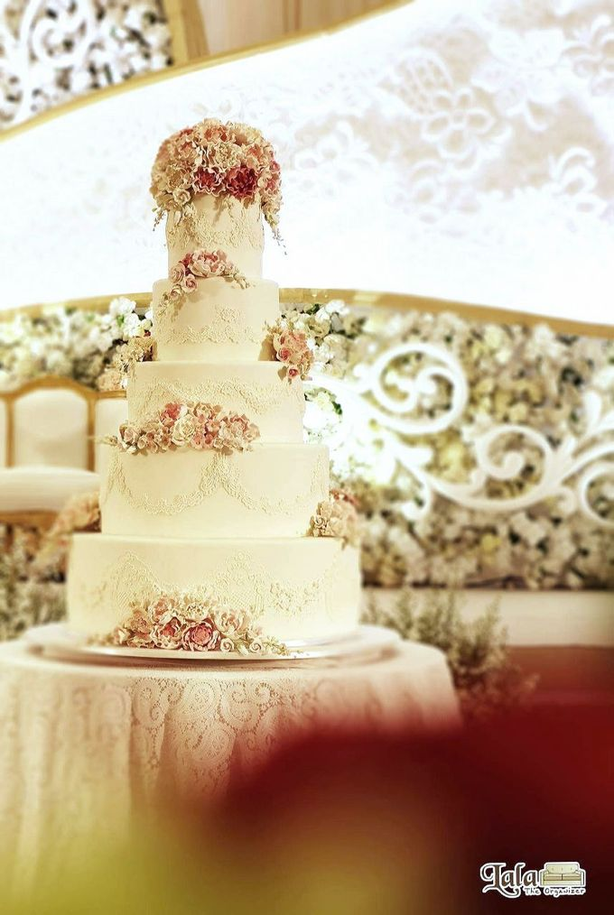 5 & 6 Tiers Wedding Cake by LeNovelle Cake - 009