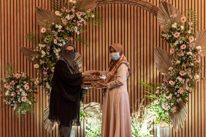 Engagement Annisa & Hedityo by Weddingscape - 018