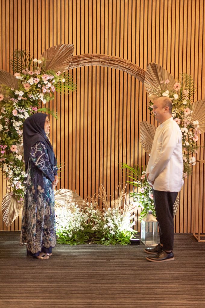 Engagement Annisa & Hedityo by Weddingscape - 042