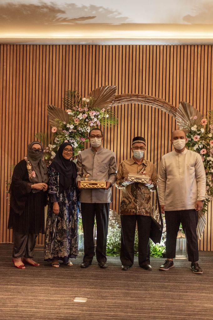 Engagement Annisa & Hedityo by Weddingscape - 045
