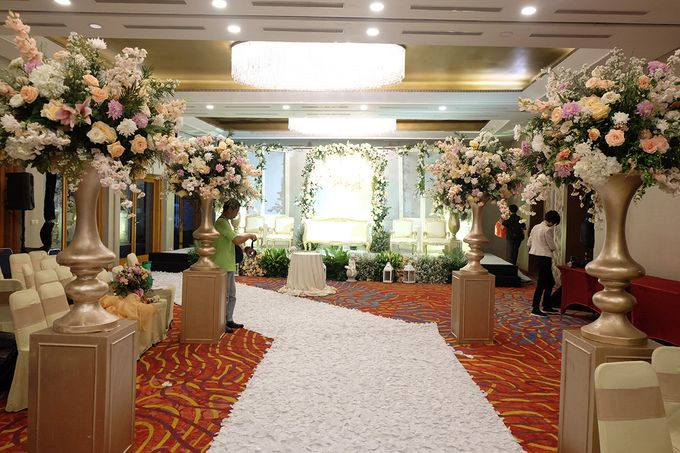 The Wedding of Marvin & Marcela - Damai Indah Golf PIK by The Swan Decoration - 003