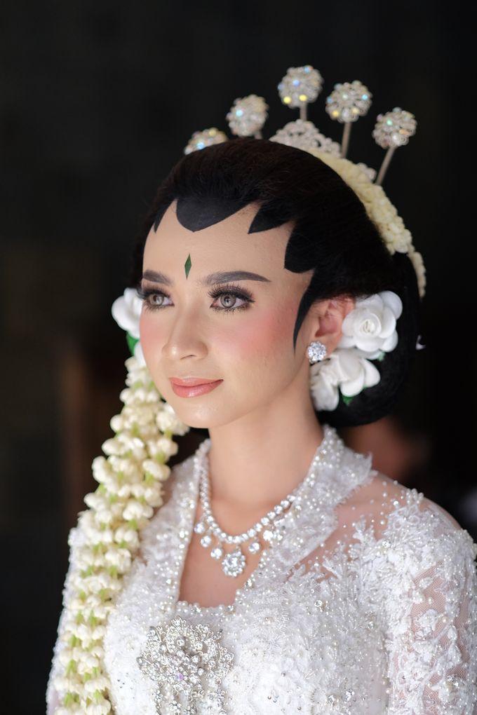 The Wedding of Mira & Zaki by DELMORA - 011