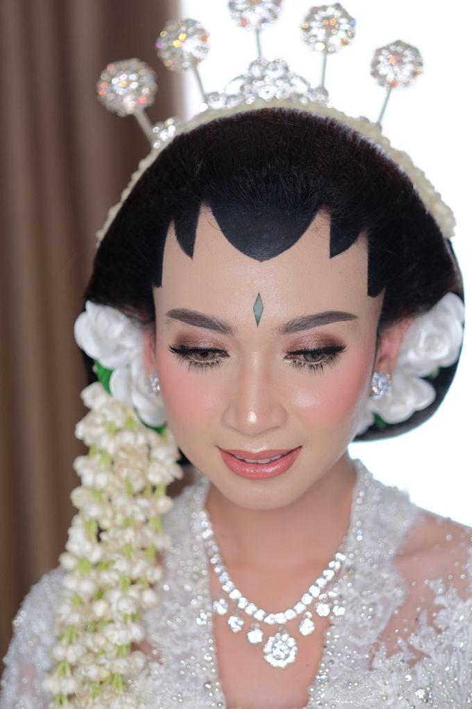 The Wedding of Mira & Zaki by DELMORA - 012