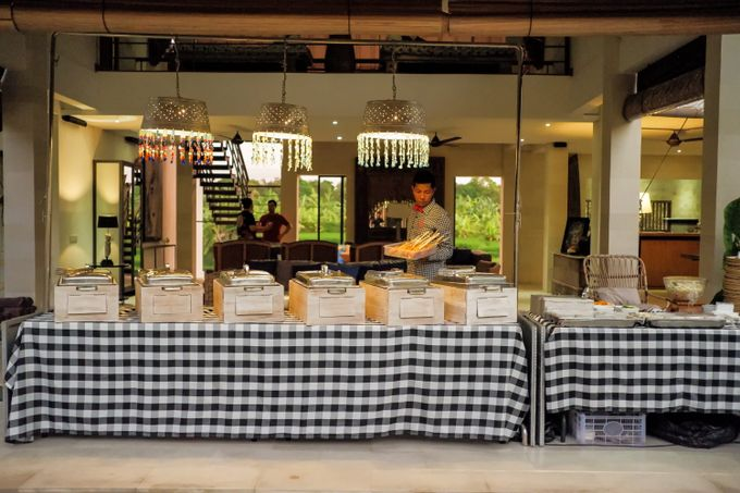 Family Gathering - Villa Abaca by Hog Wild Catering Bali - 004