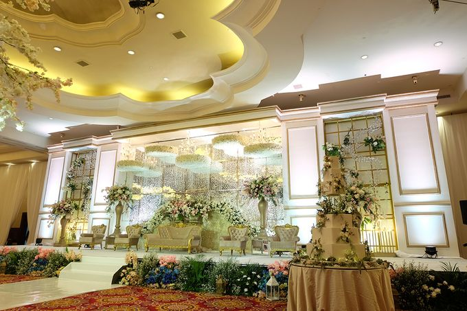 The Wedding of Eric & Cindy - Ritz Carlton Kuningan Ballroom by The Swan Decoration - 005