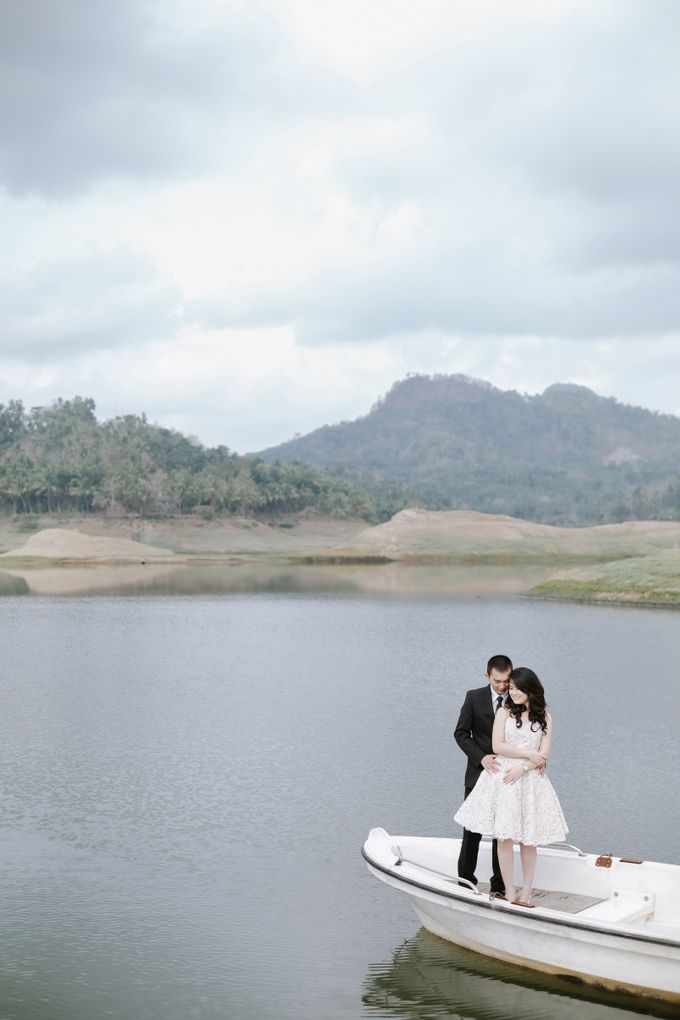 PREWEDDING OF  YUDHI & META by Alluvio - 012