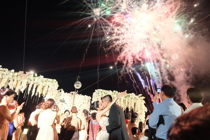 The Wedding at The Royal Santrain by The Royal Santrian Luxury Beach Villa - 008
