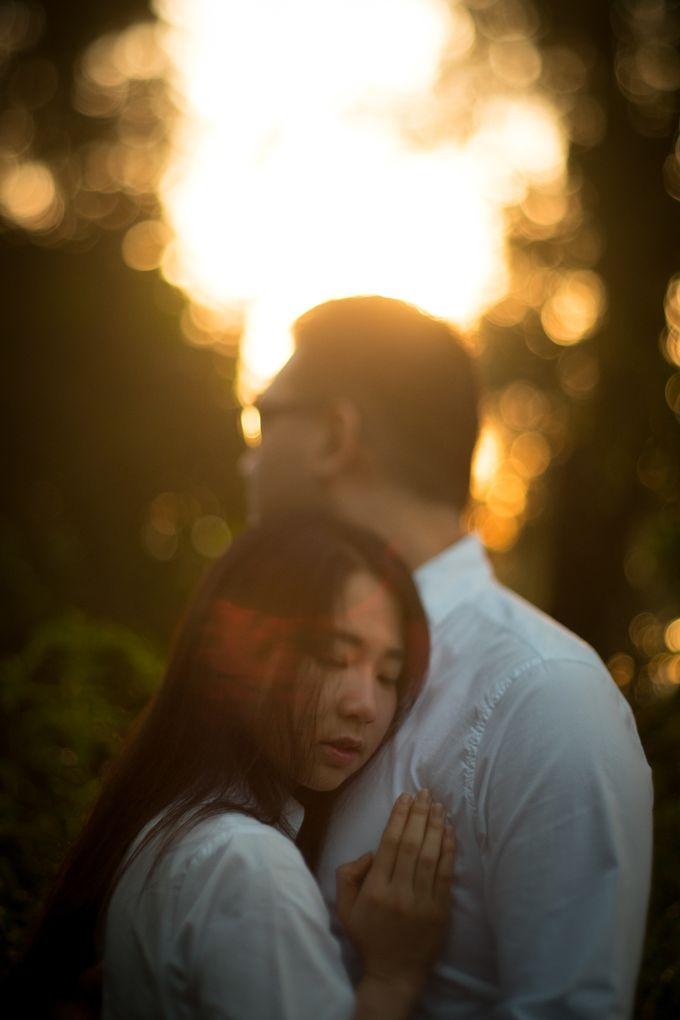 Pre Wedding Of Puput and Ferry by Saturasi Moment - 004