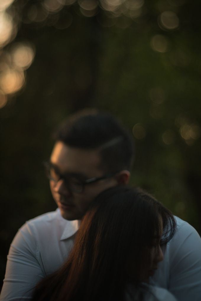 Pre Wedding Of Puput and Ferry by Saturasi Moment - 006