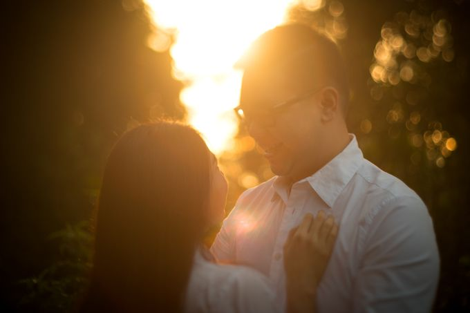 Pre Wedding Of Puput and Ferry by Saturasi Moment - 007