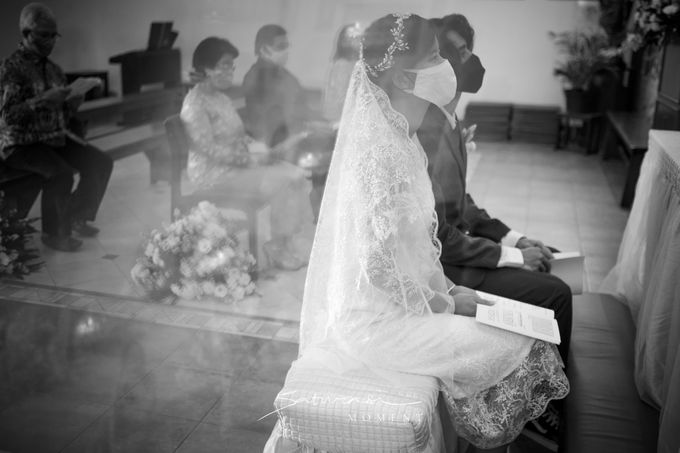 Intimate Wedding of Astri & Aldo by Saturasi Moment - 006