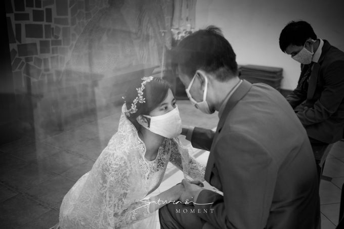 Intimate Wedding of Astri & Aldo by Saturasi Moment - 009