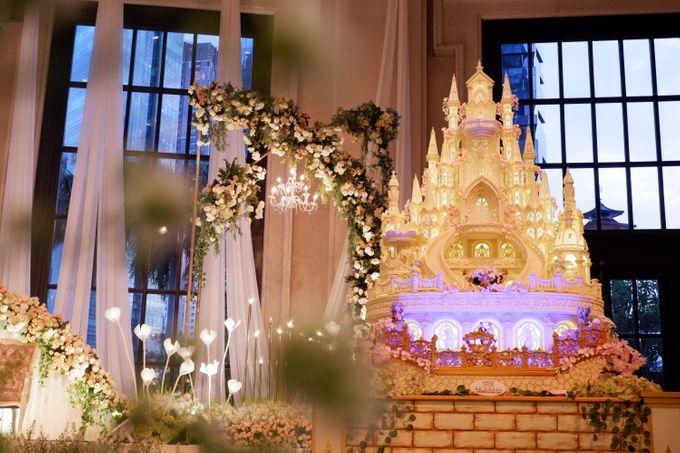 Castle waterfall Wedding cake for Benaya & Elizabeth by RR CAKES - 001
