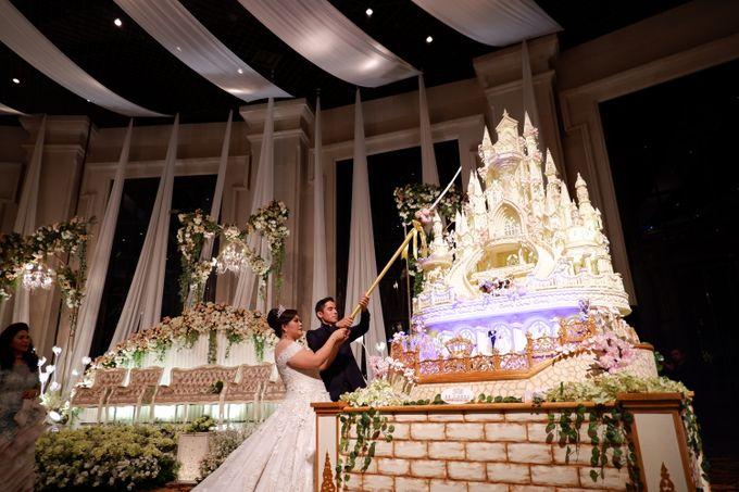 Castle waterfall Wedding cake for Benaya & Elizabeth by RR CAKES - 003
