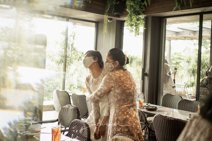Intimate Wedding of Astri & Aldo by Saturasi Moment - 027