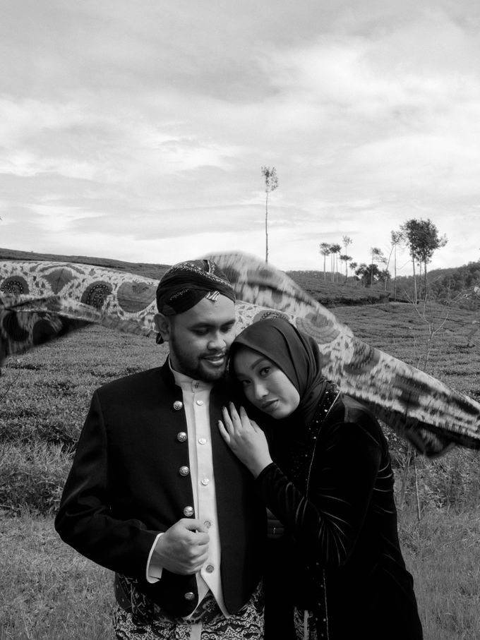 Couple Session of Arif & Ayu (Javanesse Modern) by Agah Harsa Photo - 007