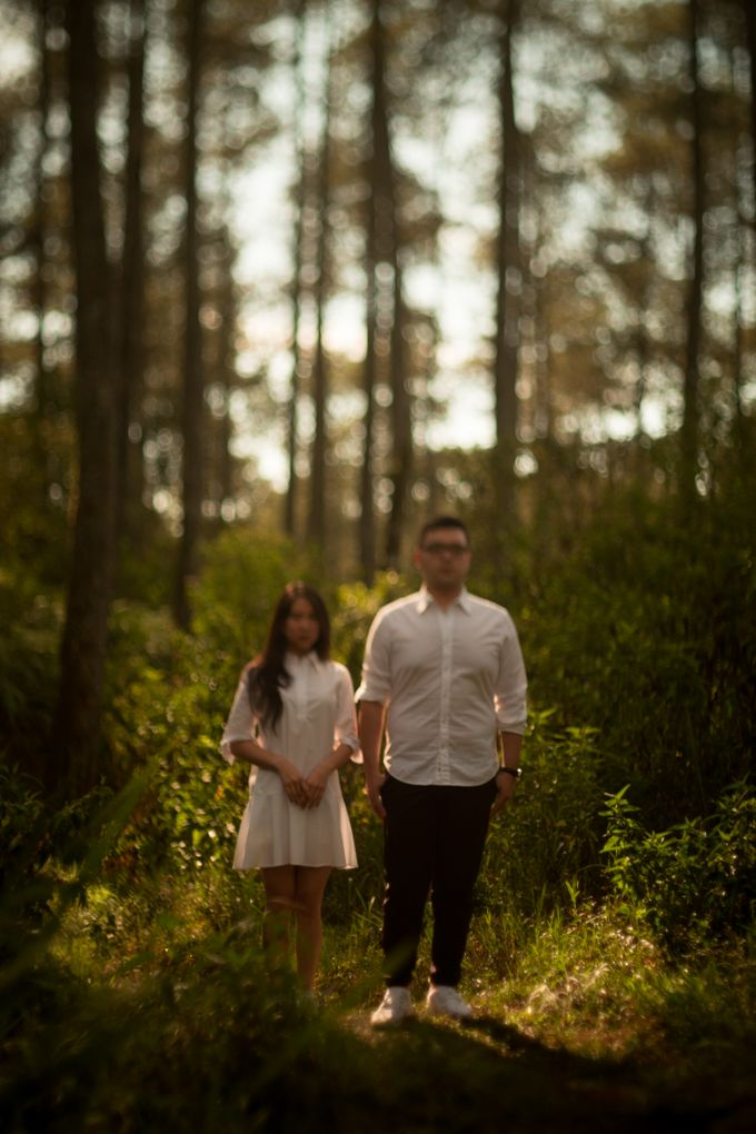 Pre Wedding Of Puput and Ferry by Saturasi Moment - 017