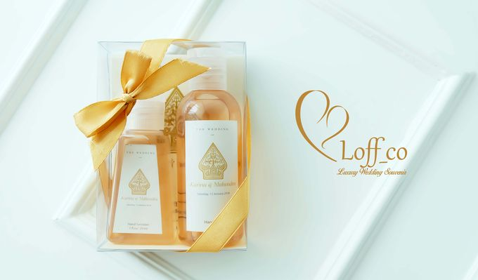 Deep Cleansing Hand Soap and Shower Gel by Loff_co souvenir - 029