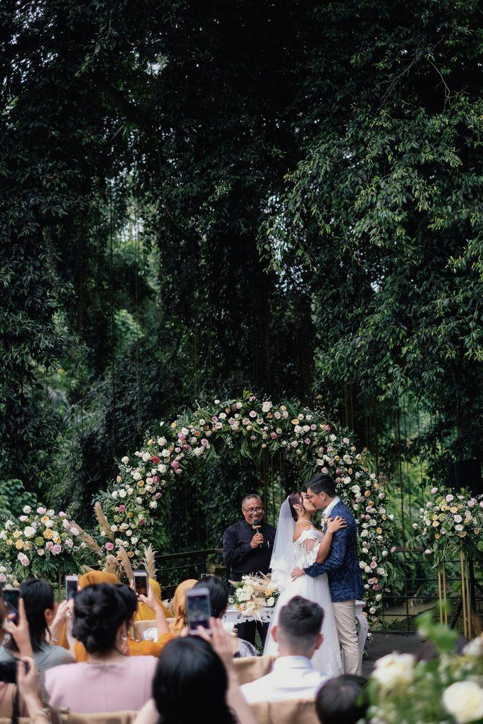 Wedding at Riverside by Bali Flower Decor - 009