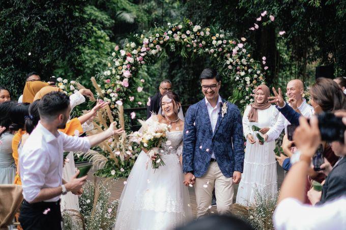 Wedding at Riverside by Bali Flower Decor - 010