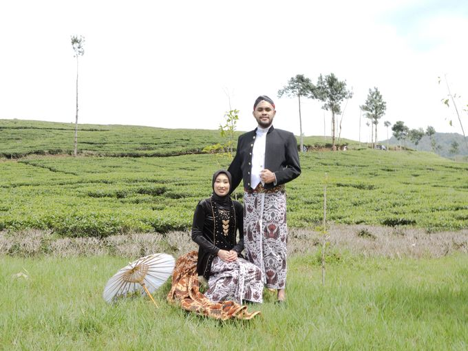 Couple Session of Arif & Ayu (Javanesse Modern) by Agah Harsa Photo - 011