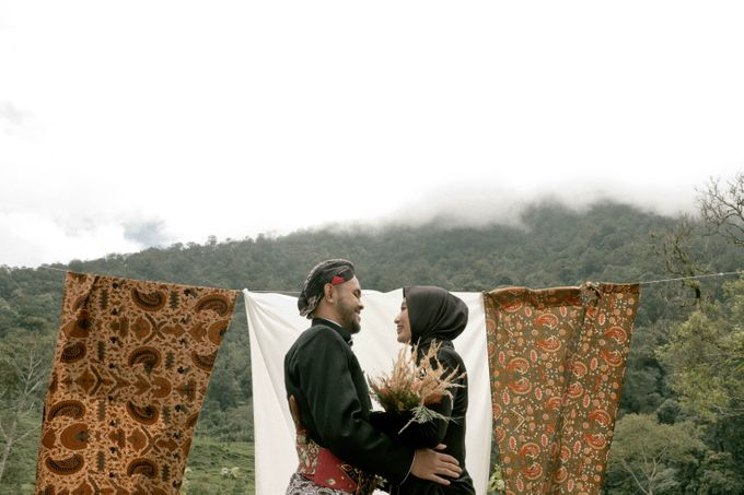 Couple Session of Arif & Ayu (Javanesse Modern) by Agah Harsa Photo - 020