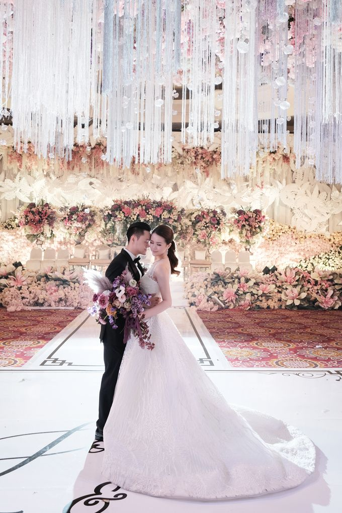 Wedding Day by Yos - Joey Stevina by The Ritz-Carlton Jakarta, Mega Kuningan - 010