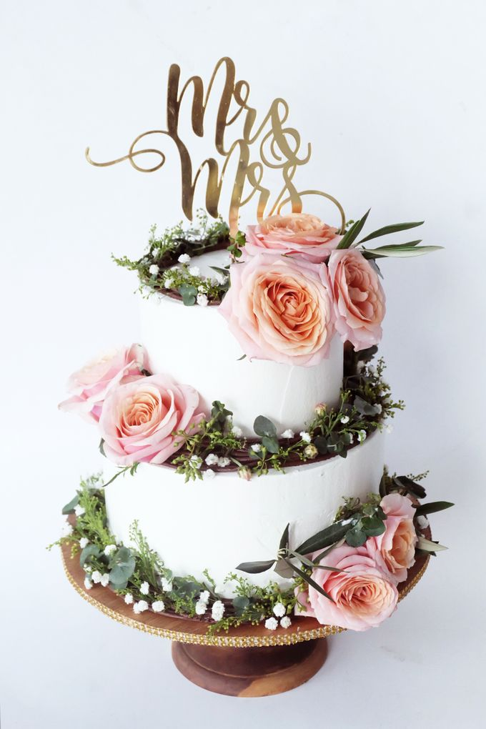 Forest Rustic Themed Two Tiered Cake by KAIA Cakes & Co. - 007