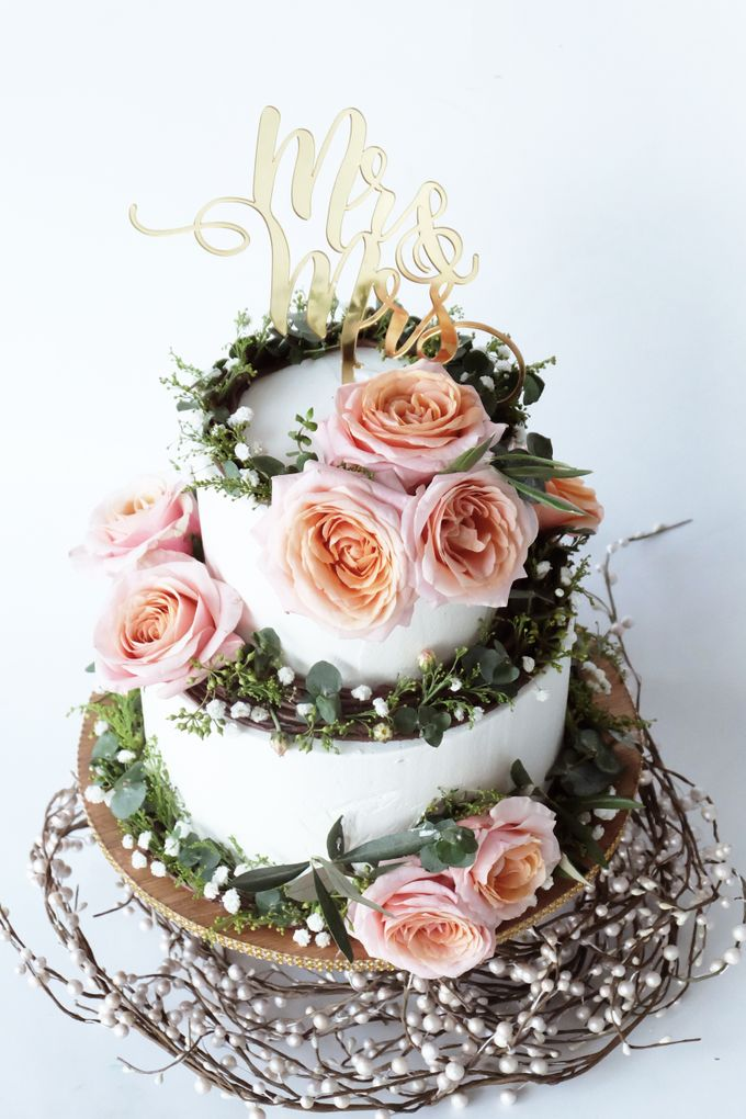 Forest Rustic Themed Two Tiered Cake by KAIA Cakes & Co. - 006