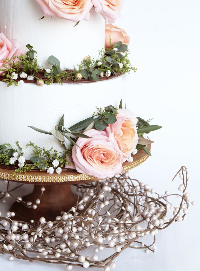 Forest Rustic Themed Two Tiered Cake by KAIA Cakes & Co. - 004