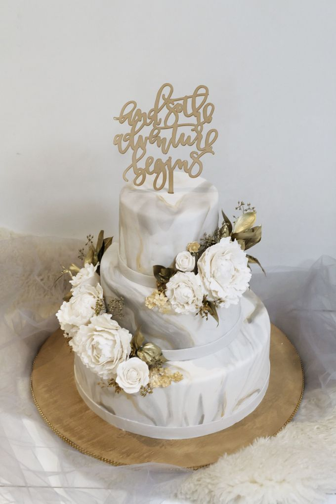 Three Tiered Marble Cake with Sugar Flower by KAIA Cakes & Co. - 001