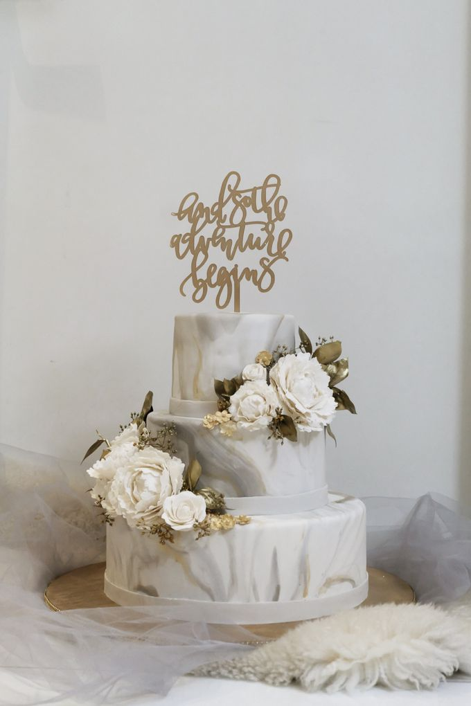 Three Tiered Marble Cake with Sugar Flower by KAIA Cakes & Co. - 006