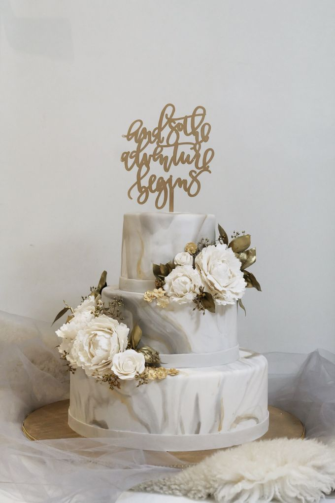 Three Tiered Marble Cake with Sugar Flower by KAIA Cakes & Co. - 003