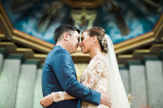 Geometric and Marble inspired wedding in Pinks, Purples and Blues by Ivy Tuason Photography - 024