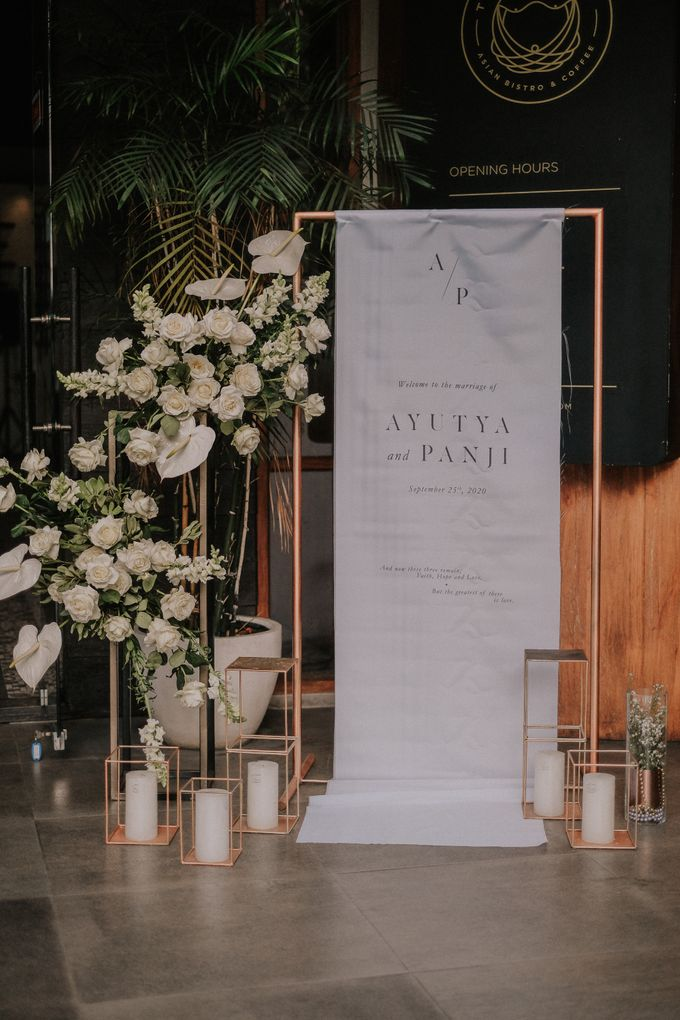 The Wedding of Ayutya and Panji by Bali Flower Decor - 005
