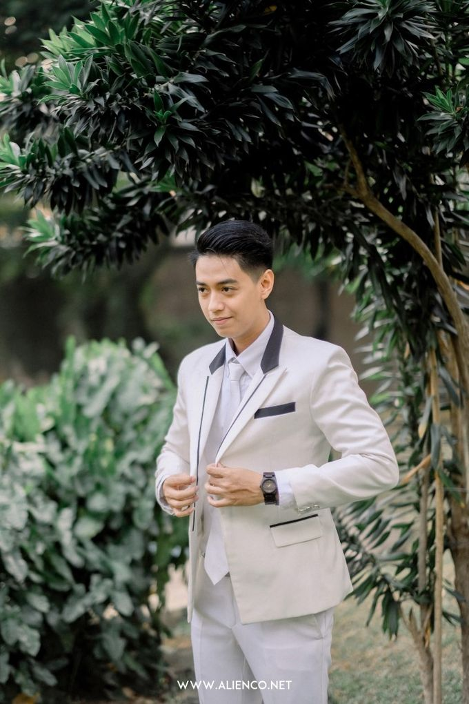 The Wedding Of Melly & Wisnu by alienco photography - 003
