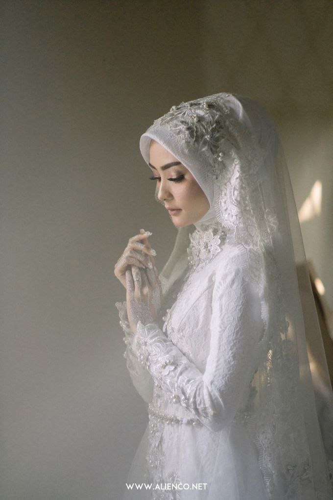 The Wedding Of Melly & Wisnu by alienco photography - 005